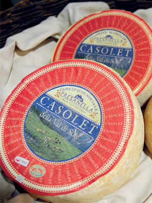 The small cheese of Val di Sole: Casolét